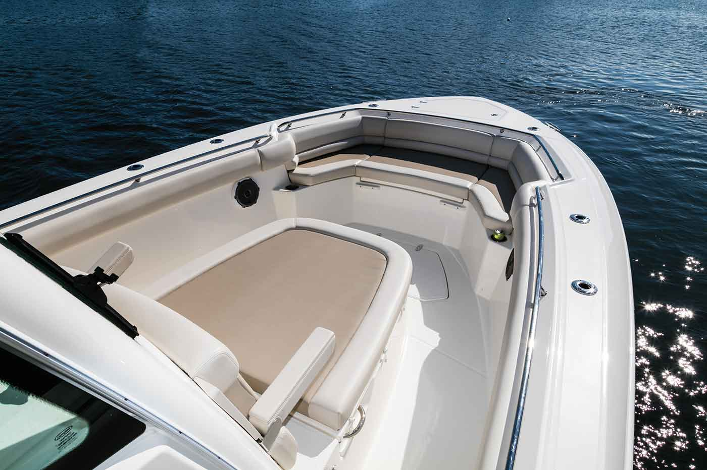 Boston-Whaler-330-Outrage-Gallery-2