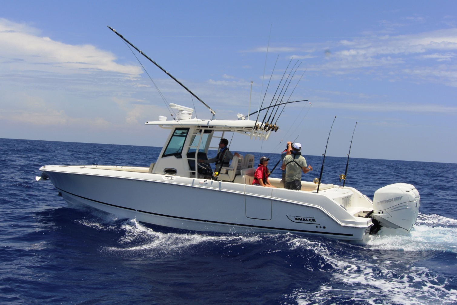 Boston-Whaler-330-Outrage-Gallery-4